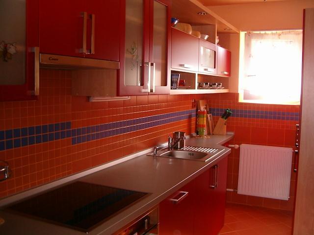 cervena-kuchyne-1.jpg