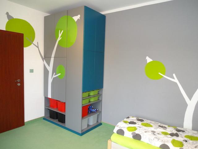 sedy-detsky-pokoj-2.jpg
